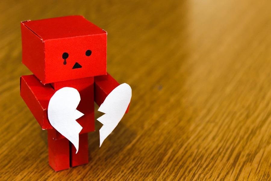 Máu tượng trưng cho sự đau đớn về tình cảm