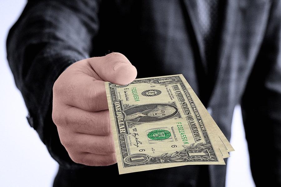 Mơ thấy người khác cho tiền lẻ