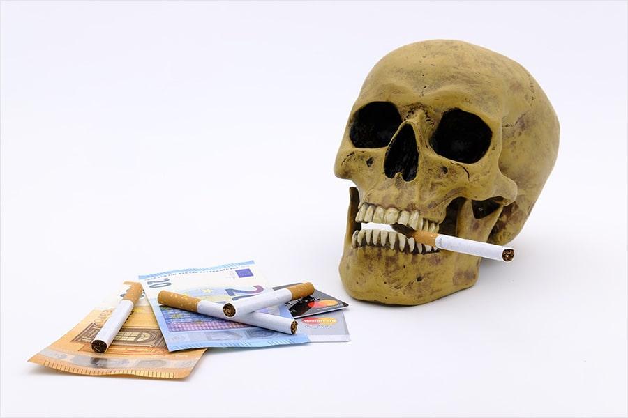 Mơ thấy người chết cho tiền đánh con gì?